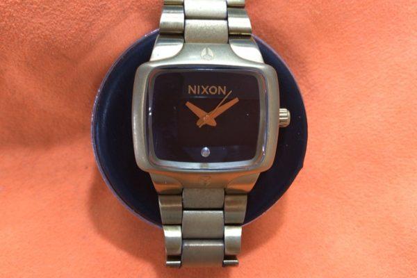NIXON ニクソンの電池交換