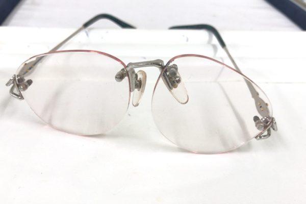 縁なし眼鏡のネジのゆるみ、型直しは河口湖のオプトナカムラへ!