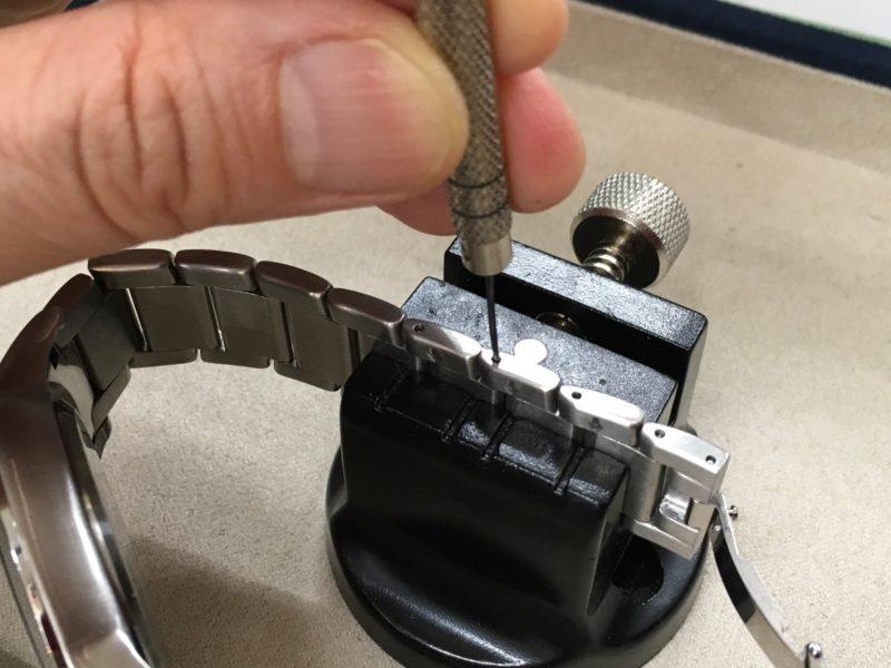 エンポリオアルマーニ 腕時計 バンドの長さ 1コマ足す 工具