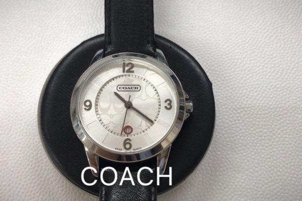 河口湖のオプトナカムラではCOACHの腕時計の電池交換すぐ出来ます。