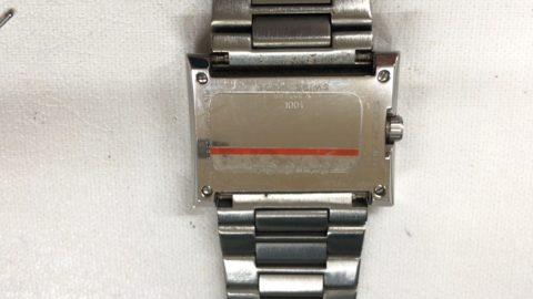 GUCCIの腕時計の裏ぶた