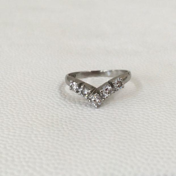 お母様からお嫁さんへ指輪を想いが受け継がれていくジュエリー BEFORE