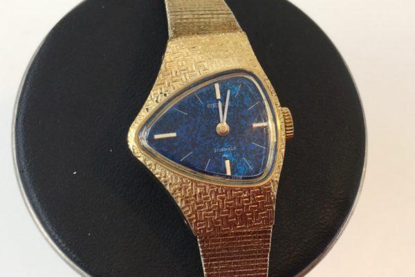 富士吉田市にお住まいのK様からSEIKO手巻き腕時計の分解掃除を承りました。