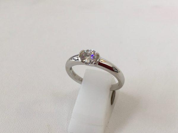 立て爪の指輪の作り替え ジュエリーリフォーム