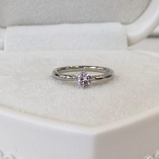 W様よりお母様のダイヤリングを婚約指輪へ作り替えを承りました。 AFTER