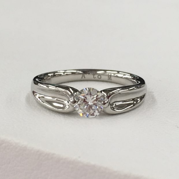 富士河口湖町にお住まいのN様より立て爪指輪の作り替えを承りました。 AFTER