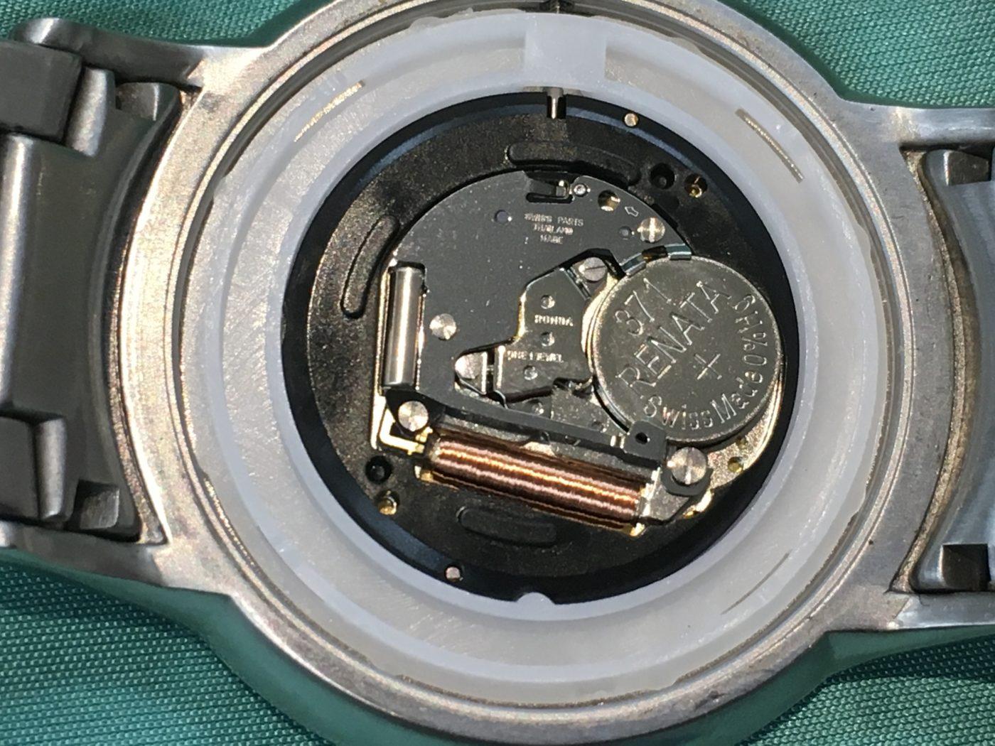 EMPORIO ARMANI E・アルマーニ 腕時計 電池交換