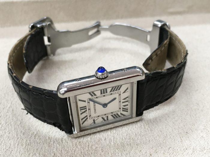 カルティエの腕時計 電池交換