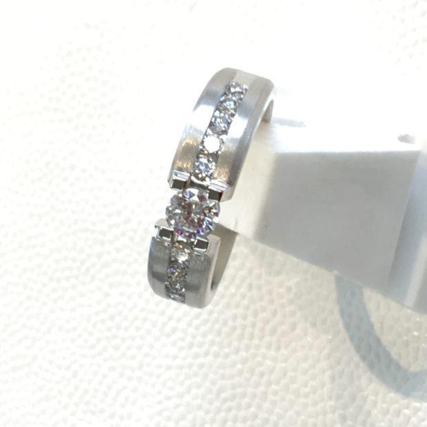 立て爪ダイヤリングの作り替えを承りました。 AFTER