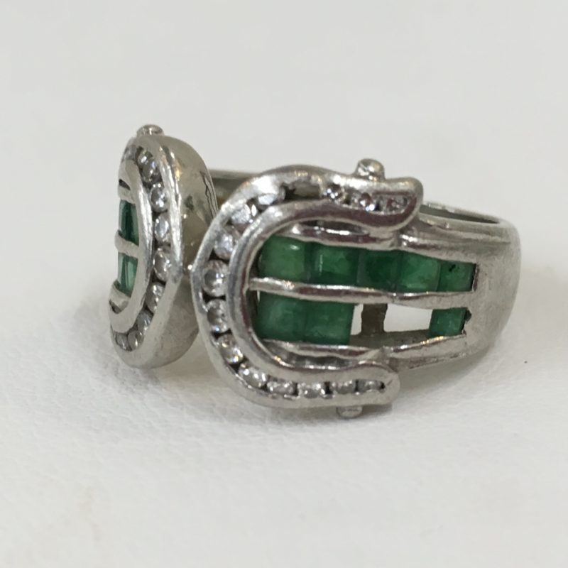 プラチナエメラルド指輪