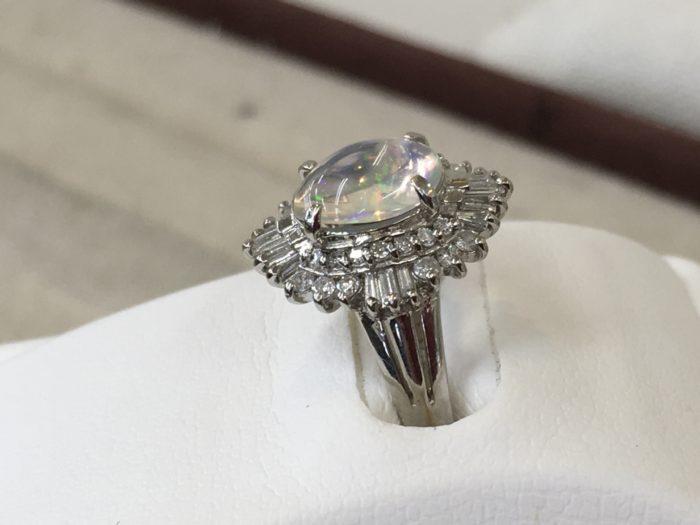 オパールの指輪 ペンダントに作り替え