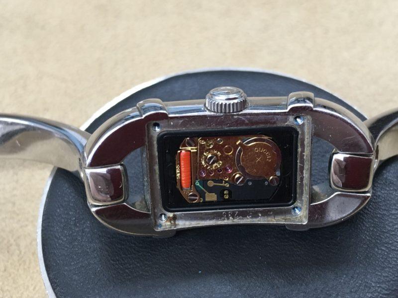 GUCCI 腕時計 グッチ 電池交換 ムーブメント