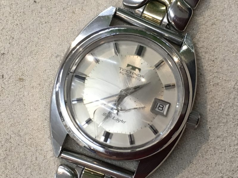 テクノス 腕時計