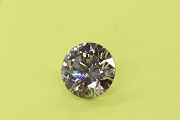 お母様からお譲りの2カラットのダイヤモンドをペンダントネックレスにリフォーム