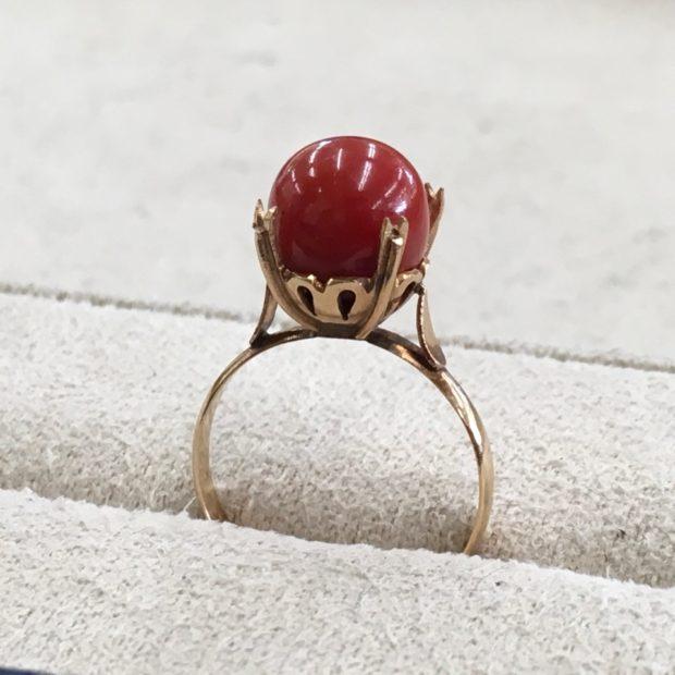 K18サンゴの指輪をペンダントに作り替え BEFORE