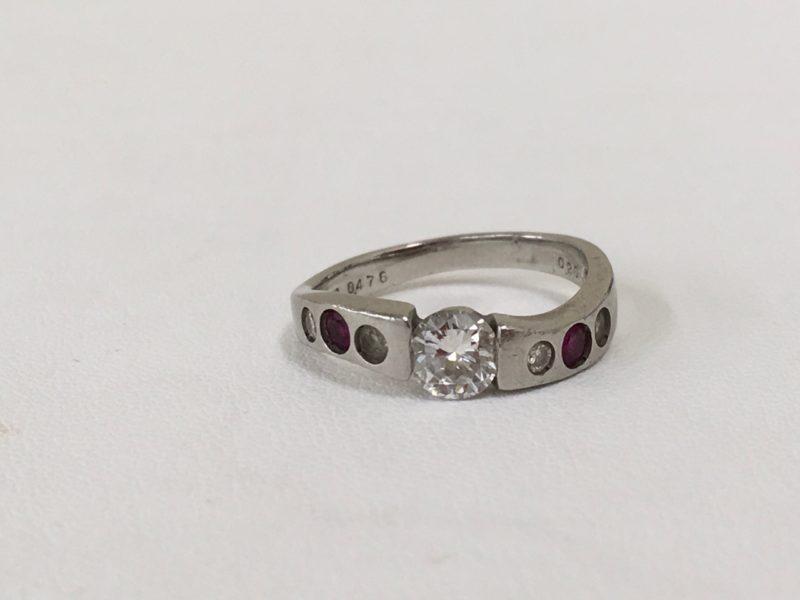 ダイヤリングの修理 指輪 ダイヤ動く