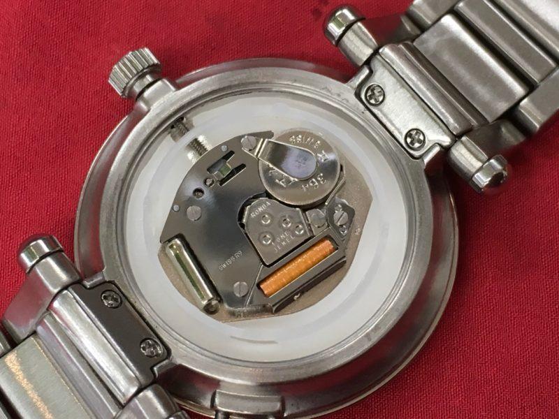 ヴィヴィアンウェストウッド ムーブメント RONDA 電池交換
