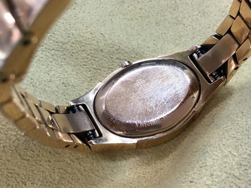 ヴィヴィアン・ウエストウッドの腕時計 VW9724 電池交換