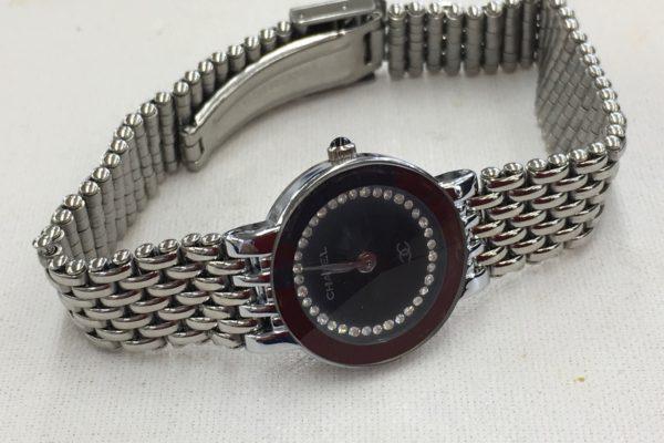 シャネル 腕時計のベルトの長さ調整