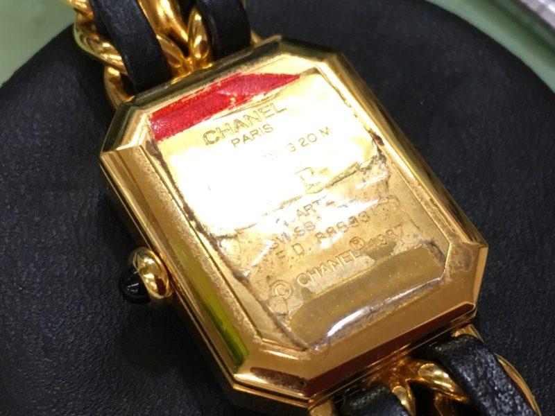 CHANELのプルミエール 腕時計 電池交換 裏ブタ 金額