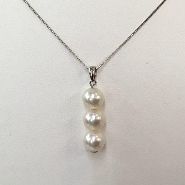 片方だけになってしまった真珠のイヤリングをペンダントに作り替え AFTER