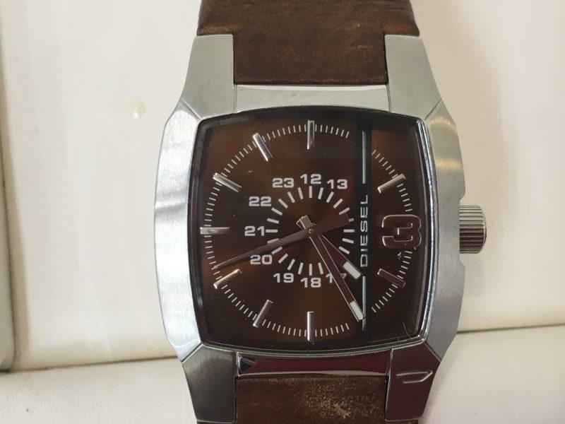 DIESEL ディーゼル 腕時計 電池交換 イタリア