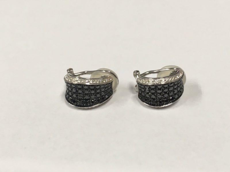 ブラックダイヤのイヤリング 修理 石合わせ