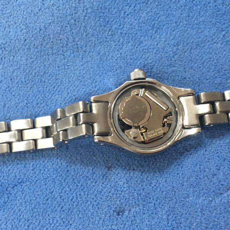 腕時計ムーブメント