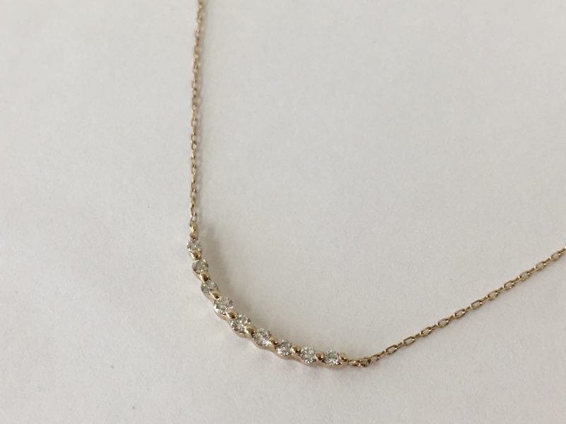 ペンダントからダイヤが一つ外れてしまった。ネックレス修理