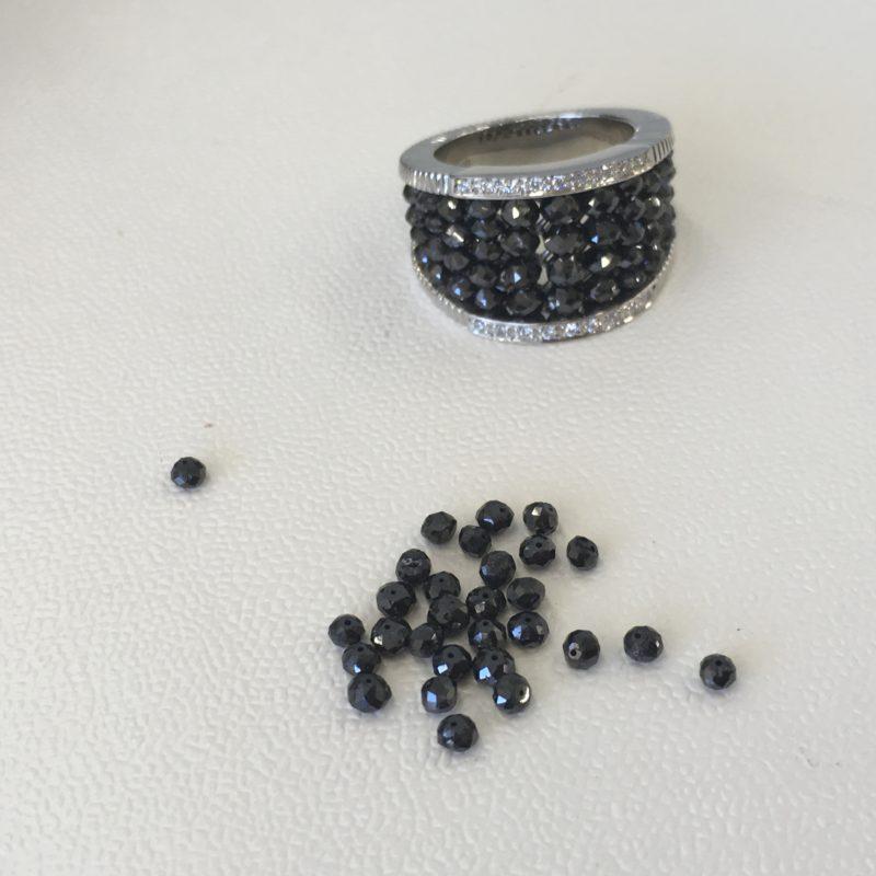 ブラックダイヤブレスレットをリングにリフォームして余ったブラックダイヤ