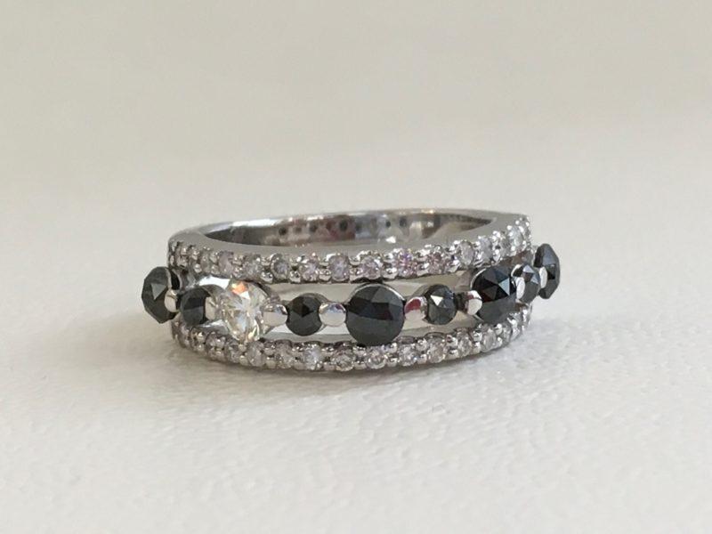 K18ホワイトゴールド製のブラックダイヤモンドの指輪と修理