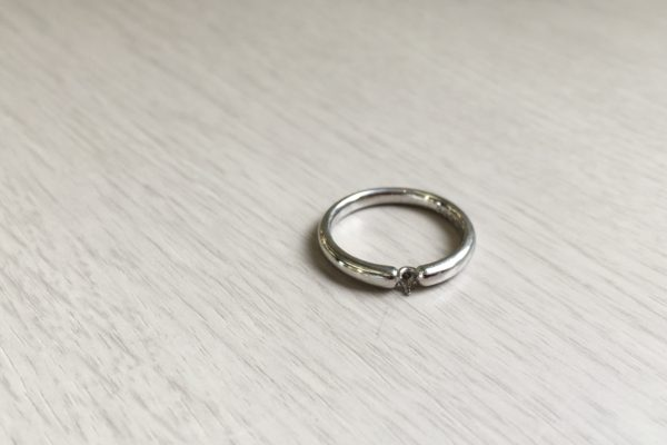 結婚指輪のダイヤモンドが取れてしまった!?