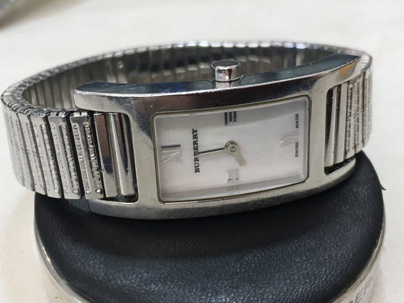 バーバリーの腕時計の電池交換