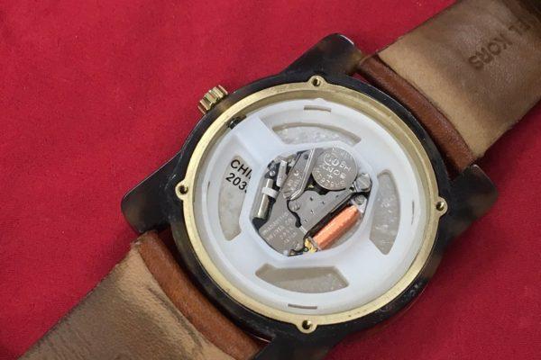 MICHAEL KORS マイケル・コースの腕時計の電池交換は店頭でお待ちの間にすぐ出来ます。
