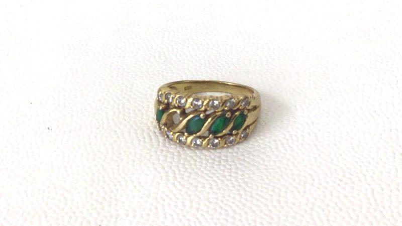 石が外れた指輪