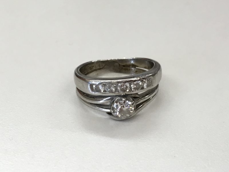 2つの指輪をくっけて一本の指輪に加工