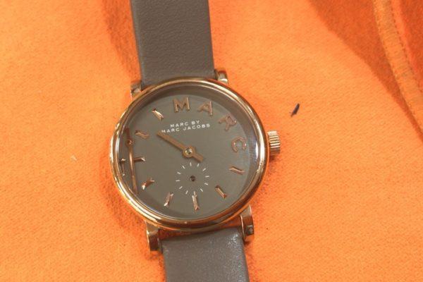 マーク・バイ・マークジェイコブスの腕時計の文字盤バラバラ事件⁈