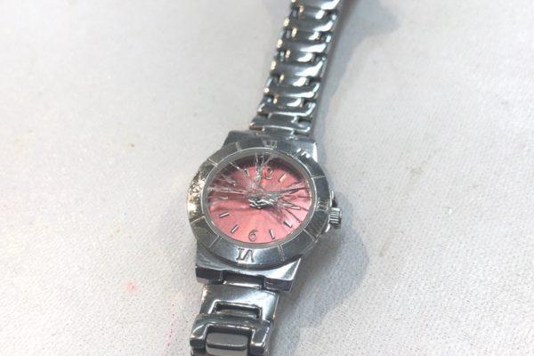 腕時計のガラスが割れてしまった⁉︎