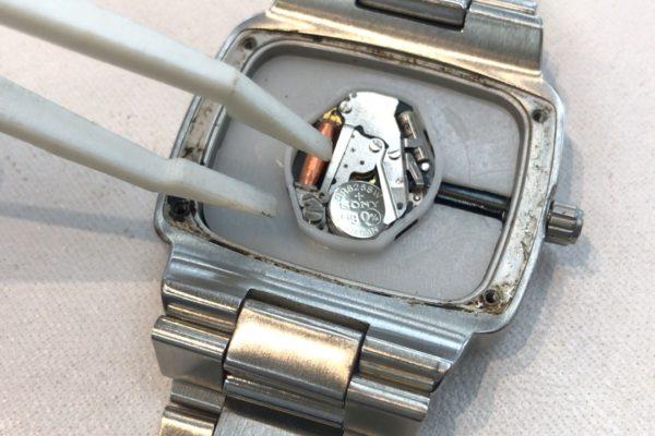 ニクソンの腕時計電池交換