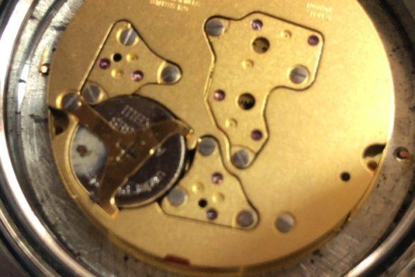 ハンティングワールド HW-908の電池交換