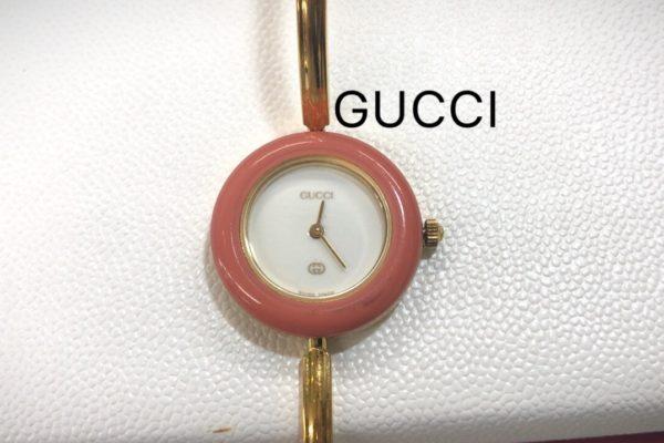 GUCCIの腕時計電池交換すぐ出来ます。