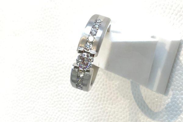 立て爪ダイヤリングの作り替えを承りました。