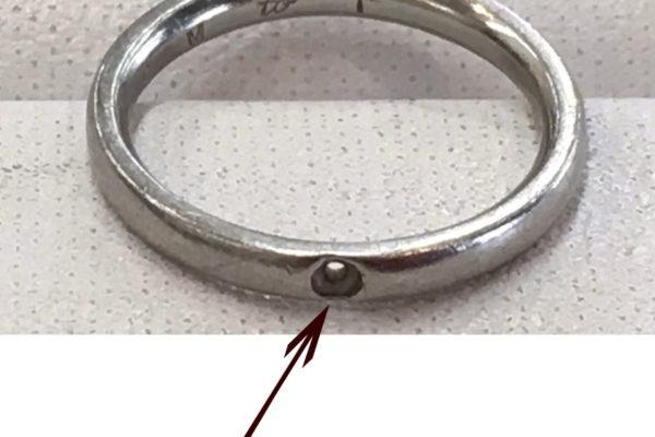 結婚指輪のダイヤが外れてしまった。