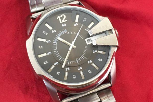DIESELディーゼルの腕時計の電池交換すぐ出来ます。