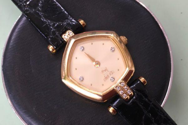 ジュエリーブランド【星の砂】の腕時計の電池交換すぐ出来ます。