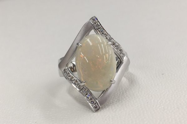 オパールの指輪をリフォーム
