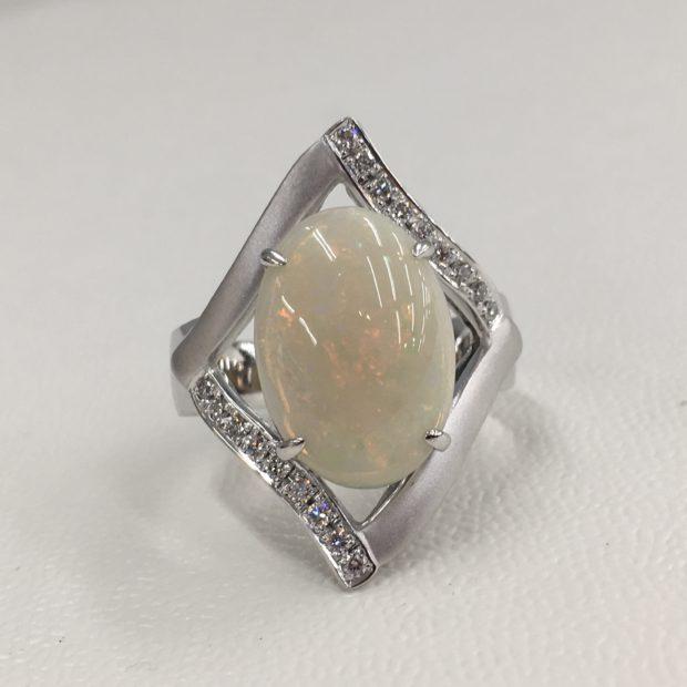 オパールの指輪をリフォーム AFTER