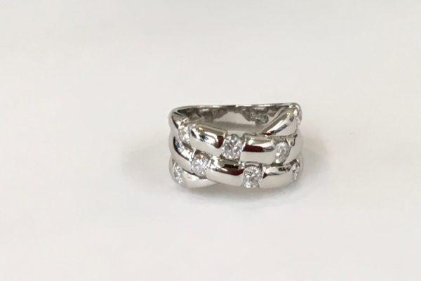 指輪のダイヤモンドが外れそう!? &新品仕上げ