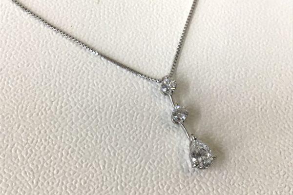 スリーストーンダイヤモンドネックレスのデザイン変更修理