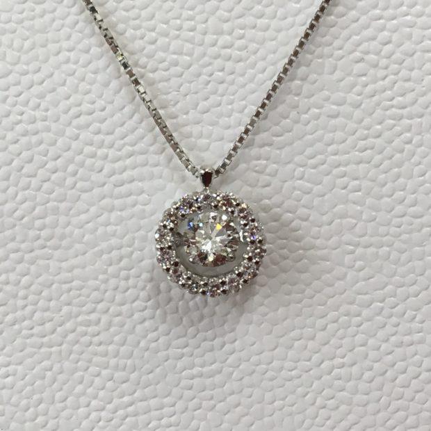 ダイヤモンドの指輪をペンダントにリフォーム AFTER